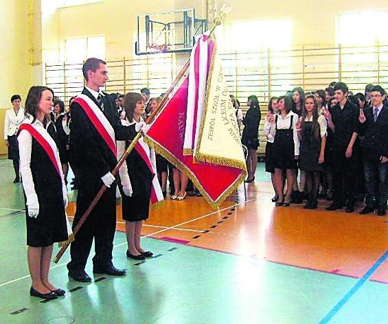 Zespół Szkół w Czchowie jest placówką o charakterze ponadgimnazjalnym. Jeżeli władze Czchowa dojdą do porozumienia ze starostwem, to przeniosą się tu gimnazjaliści