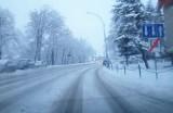 Zimowe utrzymanie dróg w Krośnie i powiecie krośnieńskim. Kto jest za nie odpowiedzialny? [KONTAKTY, TELEFONY]