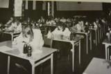 Matury w I Liceum Ogólnokształcącym w Szczecinku w latach 80. XX wieku GALERIA