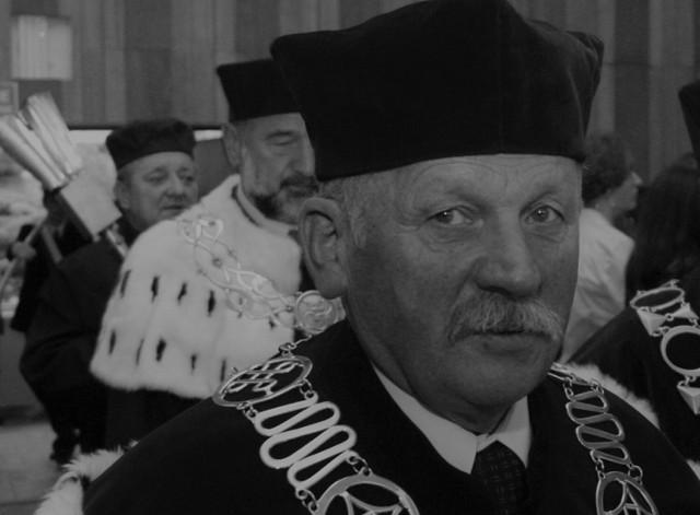 Nie żyje prof. Jerzy Kukulski, były prorektor ds. Filii UJK w Piotrkowie i Honorowy Obywatel Piotrkowa Trybunalskiego. Zmarł w wieku 85 lat