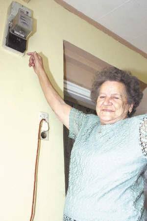 Janina Wolska nie chce płacić rachunków za energię elektryczną, ukradzioną z transformatora.