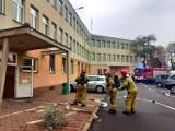 Pożar w Urzędzie Miasta w Aleksandrowie Kujawskim. Pracownicy zostali ewakuowani z budynku. Na szczęście to tylko ćwiczenia [zdjęcia]