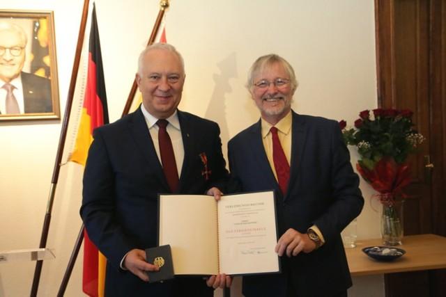 Tadeusz Krzakowski odznaczony Krzyżem Zasługi Republiki Federalnej Niemiec.