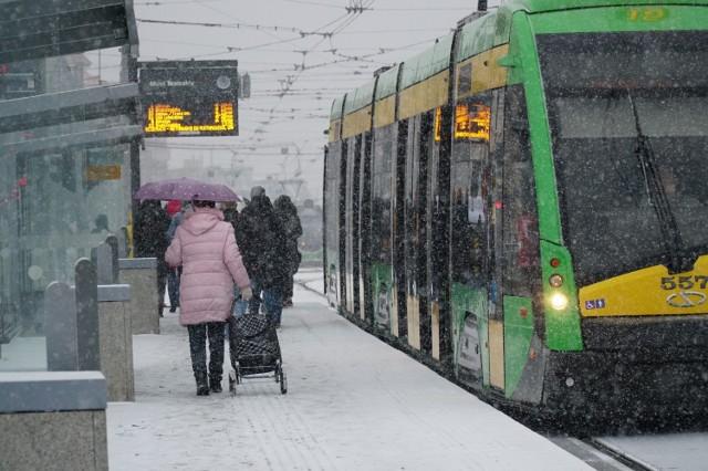 Spodziewane są opady deszczu ze śniegiem i śniegu.