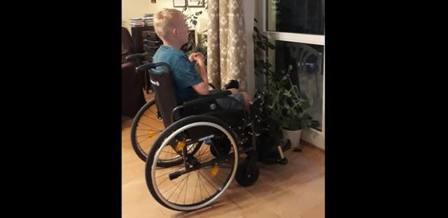 Mikołaj ucierpiał, bo nie spełnił żądania nieznanego mu mężczyzny. Przez swoją niepełnosprawność nie mógł go spełnić...