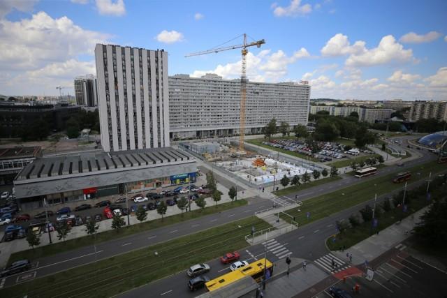 Budowa hotelu Puro w Katowicach na działce przy alei Korfantego