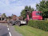 Dłużyca rozsypała się na drodze wojewódzkiej nr 212 w Udorpiu. Przyczyną usterka techniczna ciężarówki