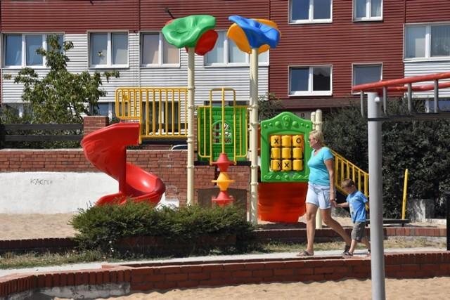Dzieci na Koperniku w Legnicy mają już super zjeżdżalnie.