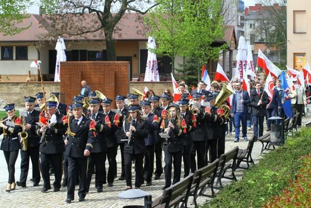 1 Maja 2021, Piotrków: Przypominamy pochody na Święto Pracy w Piotrkowie z lat 2013 - 2015