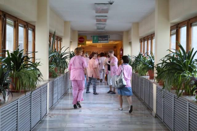 Pielęgniarki nie przyjdą dziś do pracy. Co to oznacza dla pacjentów?