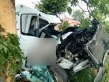 """Poważny wypadek na krajowej """"6"""" w pobliżu Karwic. Ciężko ranny kierowca trafił do szpitala [ZDJĘCIA]"""