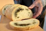 Sanepid odkrył na targu w Łowiczu chleb bez daty produkcji i terminu przydatności do spożycia
