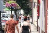 Koronawirus. Czerwona strefa w Wieluniu. Jak funkcjonuje miasto objęte nowymi restrykcjami ZDJĘCIA