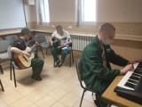 Dźwięki muzyki zza krat więzienia w Szczecinku [zdjęcia]