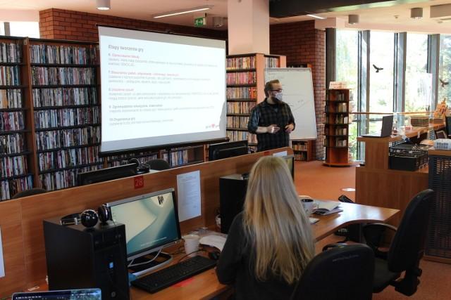 W Bibliotece Głównej odbyły się warsztaty z tworzenia gry mobilnej