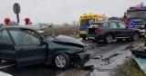 Wypadek w Wadlewie do szpitala trafił kierowca oraz 24-letnia pasażerka
