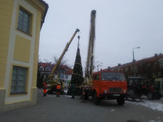 Ozdoby świąteczne w Bielsku Podlaskim trafia do magazynu