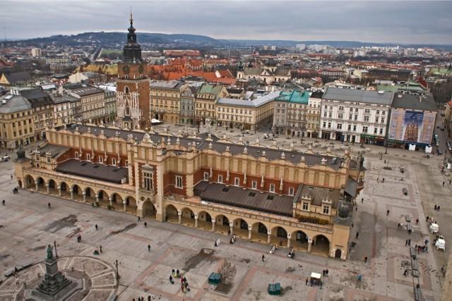 Miejsce 4. Kraków  W klasyfikacji miast rozchwytywanych przez turystów nie mogło zabraknąć Krakowa. Noclegu w mieście królów szuka aż 7,26% turystów zwiedzających Małopolskę.