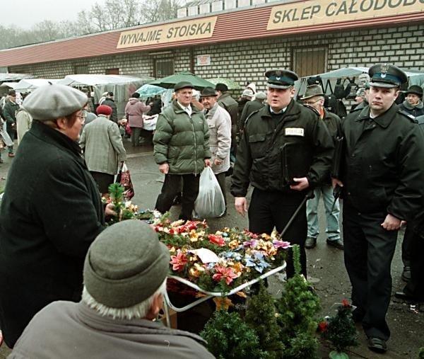 23b6c7d0ac Cudzoziemcy zatrzymani na Targowisku Bakalarska - NaszeMiasto.pl
