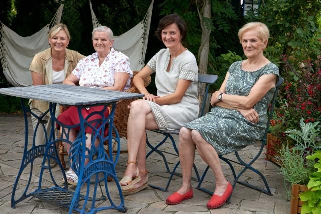 """Anielskie Ogrody w Budachowie znalazły się w programie """"Maja w ogrodzie"""". Przedstawiamy kilka zdjęć z wizyty M. Popielarskiej oraz fotografii zielonego zakątku w niewielkiej miejscowości."""