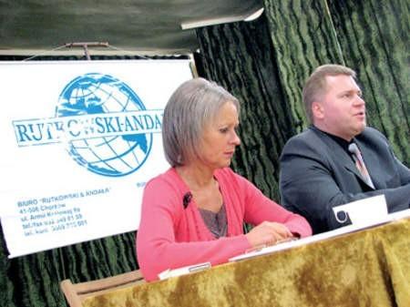 Anna Rutkowska i Arkadiusz Andała tłumaczyli zasady ochrony szkół.