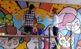 PSP 7 w Radomsku ma nowy mural. Namalowały go uczennice Liceum Plastycznego w Częstochowie [ZDJĘCIA]