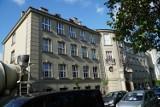 Poznań: Uczniowie mieli przenieść się do XXXIX LO. Według prawa takiej szkoły... nie ma