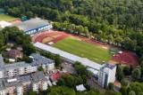 Modernizacja stadionu BOSiR. Budowlańcy na Stadionie Lekkoatletycznym. Co się zmieni? [zdjęcia]