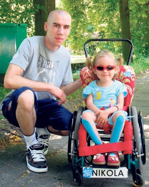 Dawid Dudek odwiedził chorą dziewczynkę w Łodzi