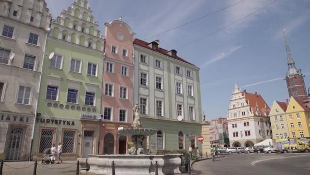 Nyski Rynek, w tle Dom Wagi.