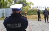 Wycinka przy Dominikańskiej trwa. Ochroniarze w kominiarkach ogrodzili teren [FOTO]