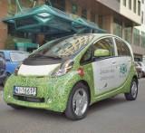 Już w dwunastu punktach w stolicy można doładować samochody elektryczne