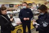 Koronawirus w powiecie puckim: policja na straży przestrzegania obostrzeń związanych z pandemią   ZDJĘCIA, NADMORSKA KRONIKA POLICYJNA