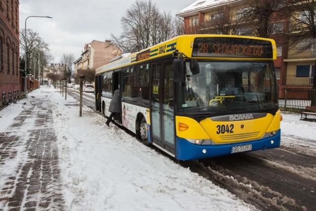 Likwidacji przejazdu linii 28 przez ulicę Moniuszki domaga się część mieszkańców Nadrzecza