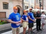Kraków wyda ponad 140 tys. złotych na działanie city helpersów. Radni pytają, czy pilotaż ma sens