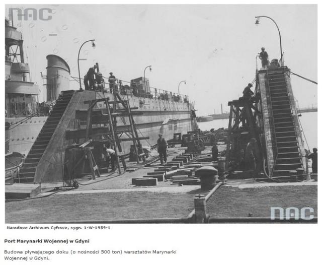 Budowa pływającego doku (o nośności 500 ton) warsztatów Marynarki Wojennej w Gdyni - 1938 rok