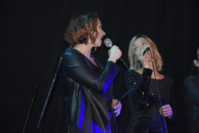 Grupa wokalna Voice Ekipa wystąpiła w niedzielę 20 stycznia w Kinoteatrze Polonez. Zespół działa przy Centrum Kultury i Sztuki, a prowadzi go Aneta Figiel. Grupa w pierwszej części koncertu wykonała kilka kolęd, a później zaprezentowała utwory muzyki rozrywkowej.