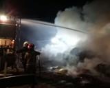 Gmina Gołańcz. Ogień i mocne zadymienie. Strażacy zostali wezwani do pożaru w Olesznie