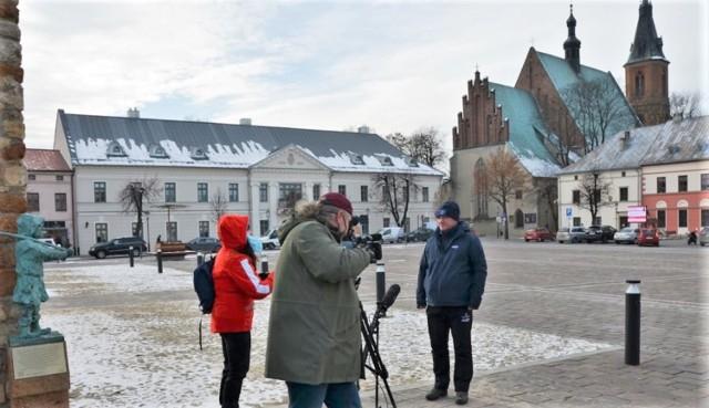 """Ekipa krakowskiej """"Trójki"""" TVP odwiedziła Olkusz, żeby pokazać jego turystyczne atrakcje"""