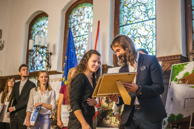 Konkurs rozstrzygnięty. Jest koncepcja dla nowej toalety w Słupsku. Nagrodę główną, wartą 20 tys. zł i staż otrzymała Aleksandra Kozłowska z Łodzi.