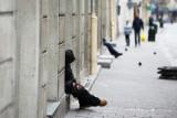 Szczepionka na koronawirusa dla bezdomnych w Krakowie tylko w noclegowni i w schronisku. Co z pozostałymi?