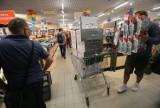 Nowy Lidl w Katowicach otwarty [ZDJĘCIA, GAZETKA]. Kupowano po kilka wiertarek, maszyn do szycia...