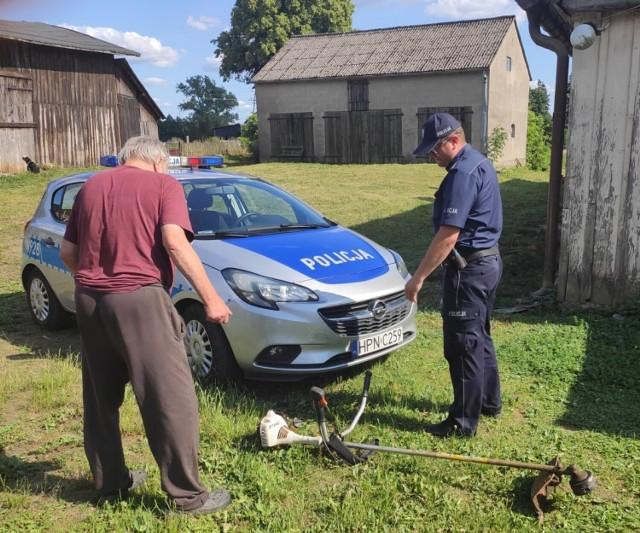 Policjant z bytowskiej komendy ustalił sprawcę i odzyskał skradzioną z posesji na terenie powiatu bytowskiego kosę spalinową.