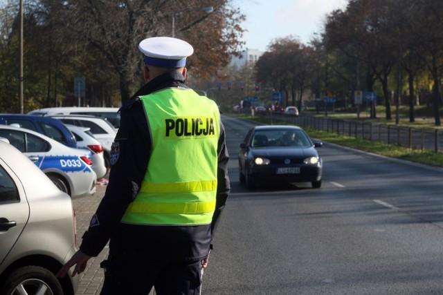Już teraz, dzięki działaniom obecnego rządu, kierowcy nie muszą posiadać przy sobie dowodu rejestracyjnego i potwierdzenia polisy OC.