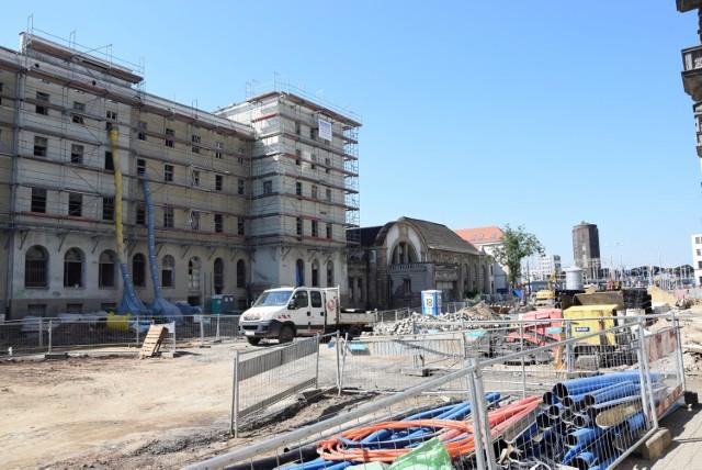 Stary Dworzec w Katowicach odzyskuje blask. Rusztowania pokryły największą i najstarszą część zabytkowego kompleksu
