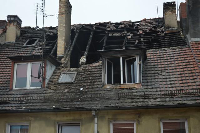 Wiele wskazuje na to, że pożar został wzniecony, by zatrzeć ślady zbrodni. Strażacy jako przypuszczalną przyczynę podają wstępnie właśnie podpalenie