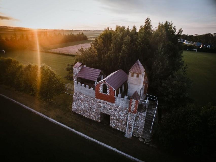 Żelistrzewo najpiękniejszą wsią powiatu puckiego 2021. Drugie Sławoszyno. Czy tym razem sołtys Szymon Dettlaff sięgnie po pomorski laur?