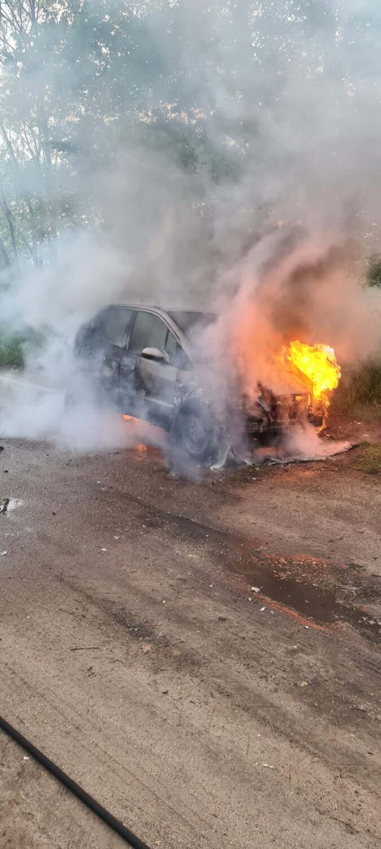 Obrzycko. Samochód osobowy stanął w płomieniach!