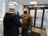 Żołnierze z Sieradza pomagają w szpitalach walczyć z koronawirusem - ZDJĘCIA