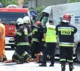 Groźna kolizja 3 ciężarówek i busa w Biadkach. DK nr 36 była zablokowana przez kilka godzin [ZDJĘCIA]